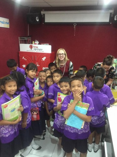 i-to-i Thailand intern Jessi teaches her class in Kanchanaburi