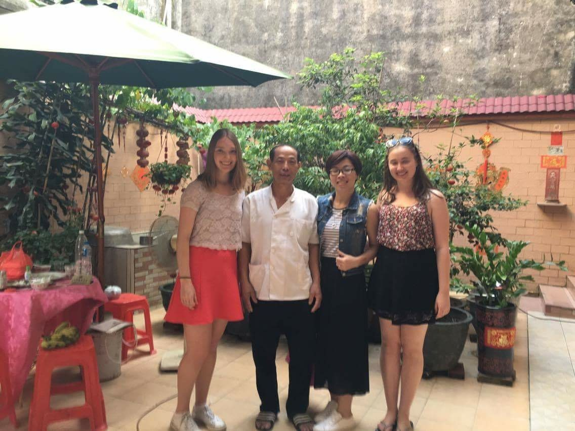 i-to-i China interns with locals in Sung De water village, China
