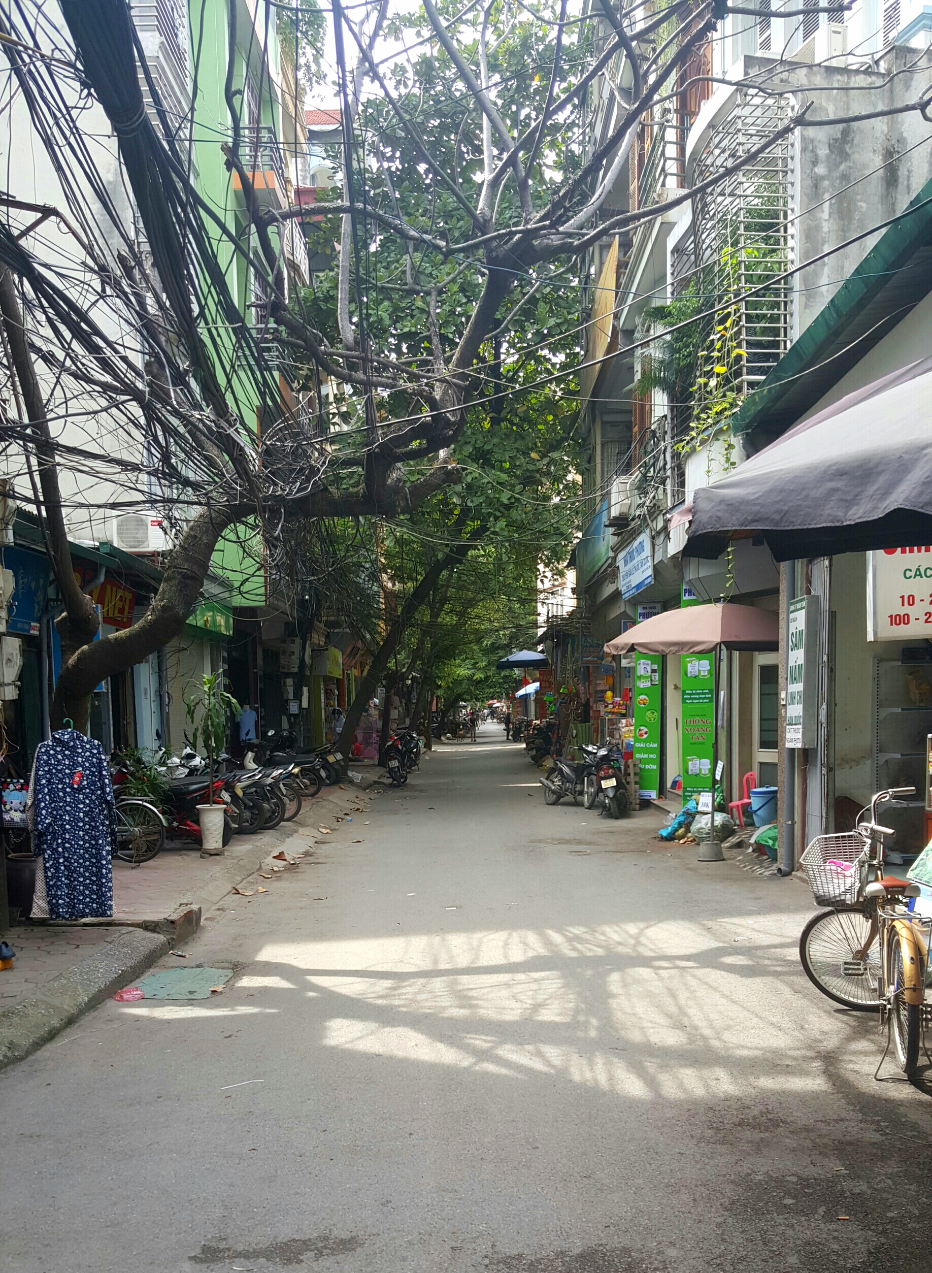 The view down a street where several Vietnam TEFL interns live on their i-to-i internship