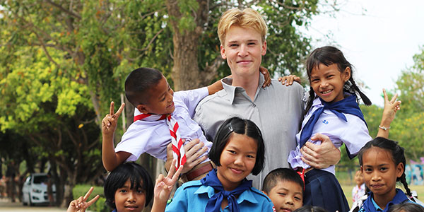 TEFL Teacher from i-to-i with pupils in Cambodia
