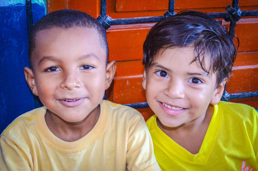 Smiling faces of Colombian TEFL students