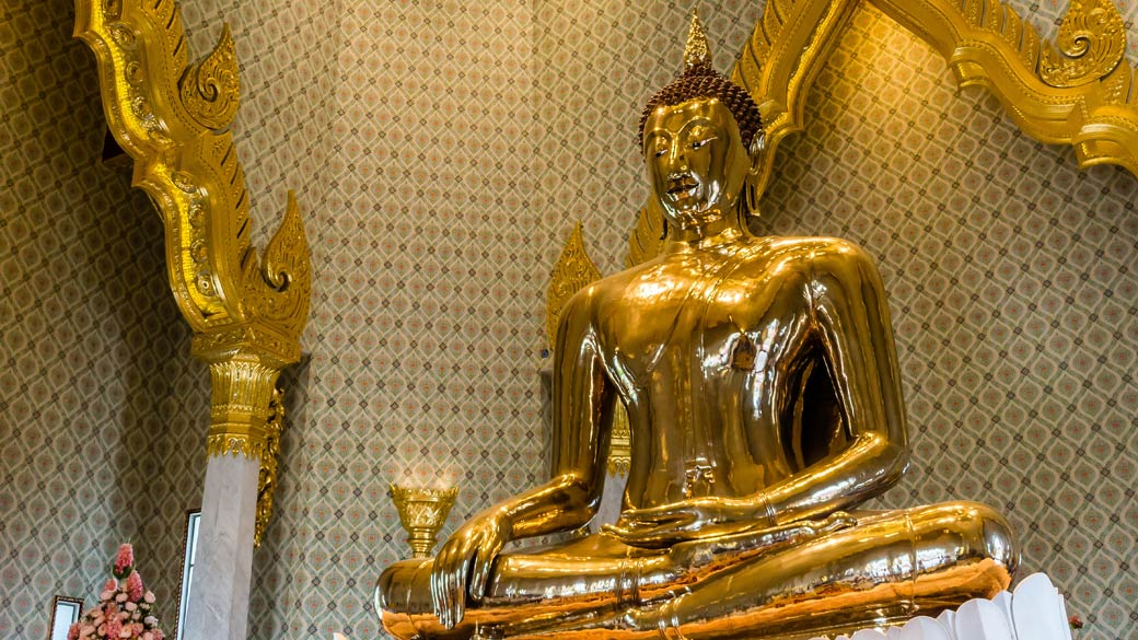 Buddha at Wat Traimit (Chinatown, Bangkok)