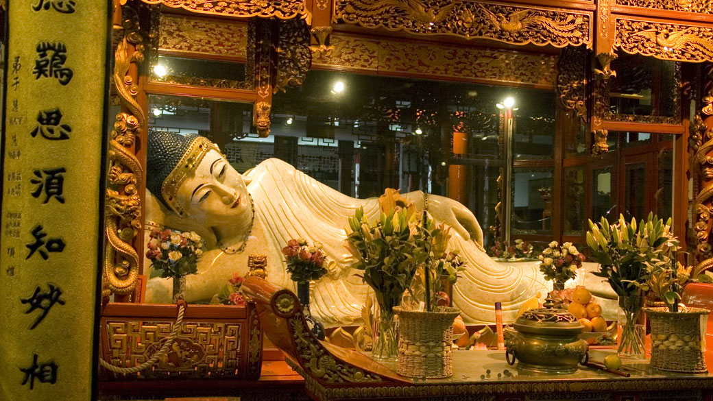 Soak up spirituality at the Jade Buddha Temple