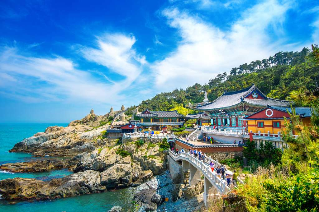 south korean buddhist temple