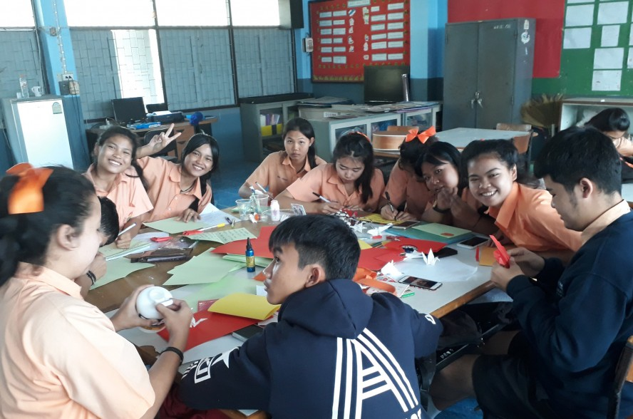 Teaching in a Thai classroom