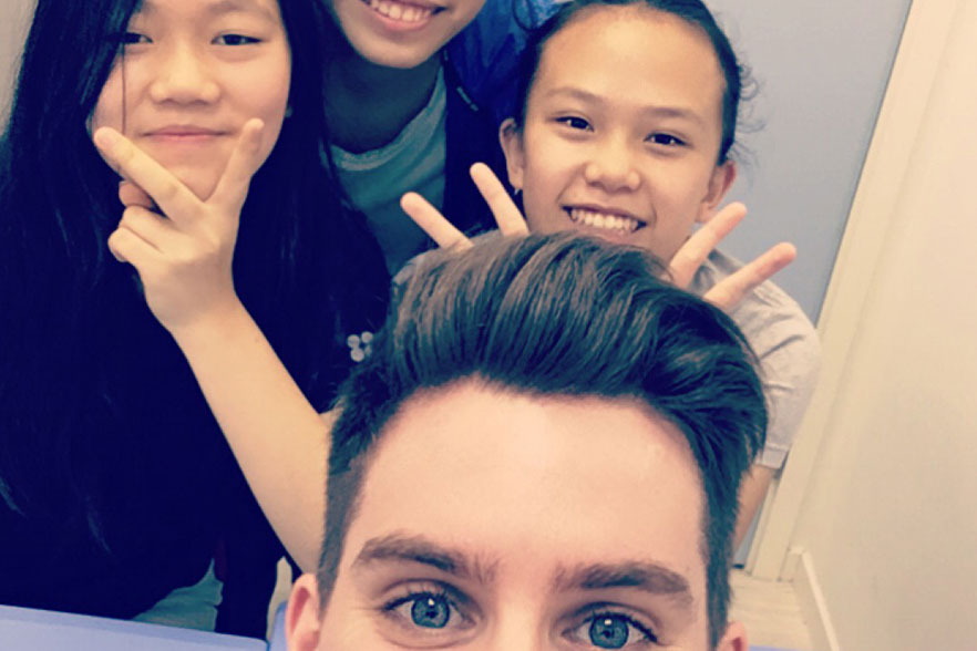 Matthew and Chinese students 3