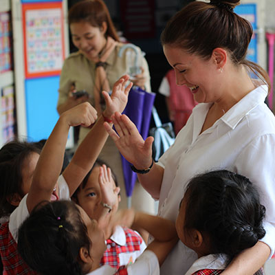 teaching english in classroom thailand
