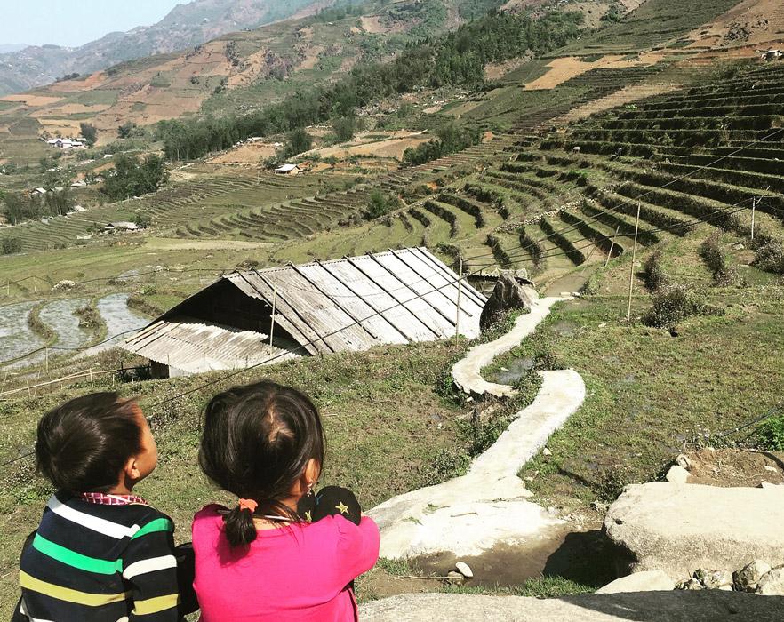 Vietnamese children in the mountains
