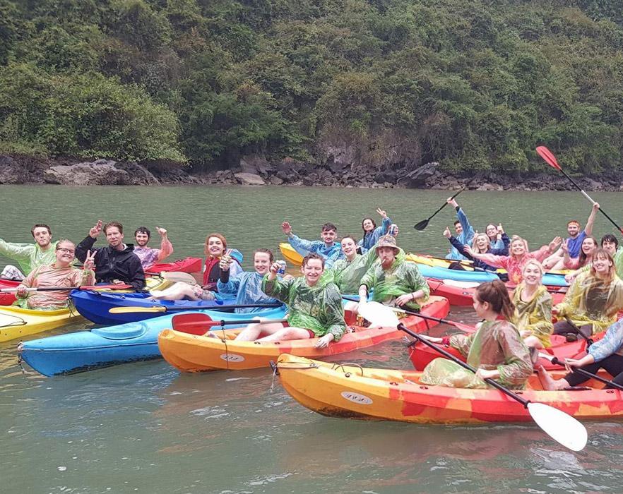 tefl teachers kayaking in Vietnam