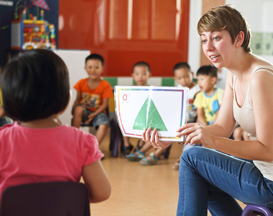 TEFL teacher, teaching shapes