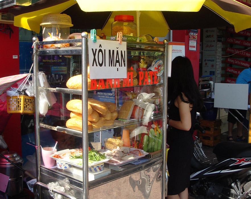 Bahn mi street food stand, Hanoi