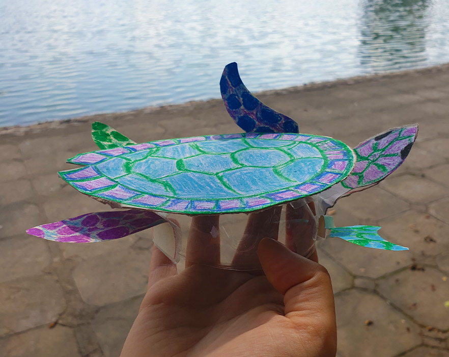 Turtle made from recycled plastic bottles