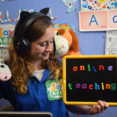 Teaching online - a real i-to-i tutor