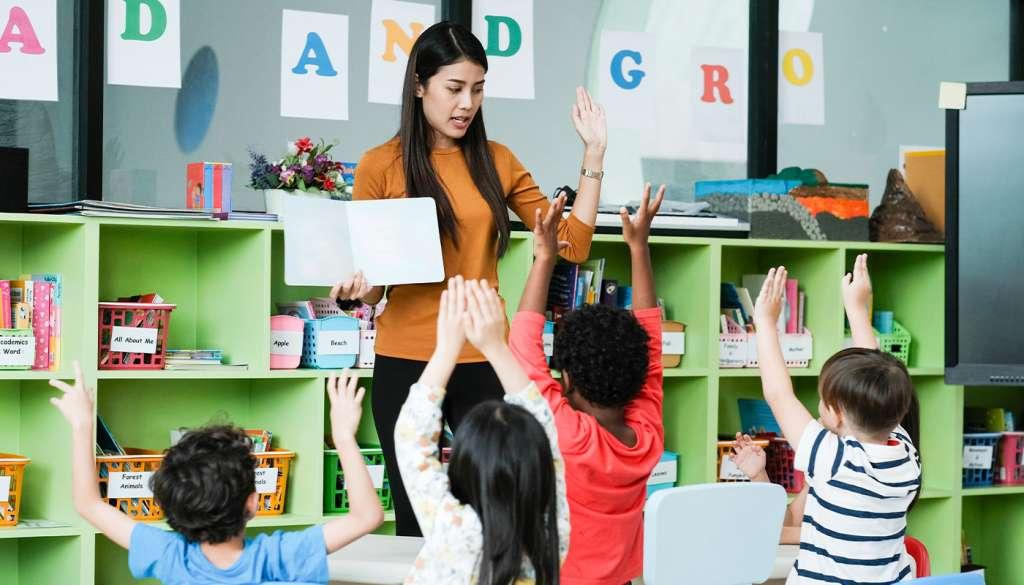 TEFL teacher teaching young students