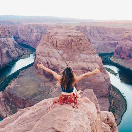 woman in grand canyon